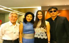 Sorrayuth Suthassanajinda pay a visit to Pravit Maleenonda, Chanel 3's big boss.