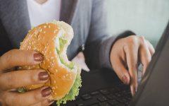 """5 โรคร้ายจาก """"พฤติกรรมการกิน"""" ที่ไม่เหมาะสม"""